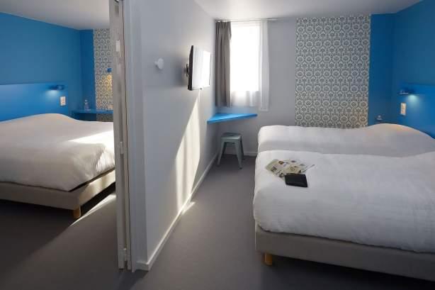 Zimmer mit Verbindungstür COTO HOTEL Beaune · Billiges Hotel in Beaune